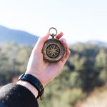 weltweiser · Handbuch Weltentdecker · Ratgeber für Auslandsaufenthalte · Kompass